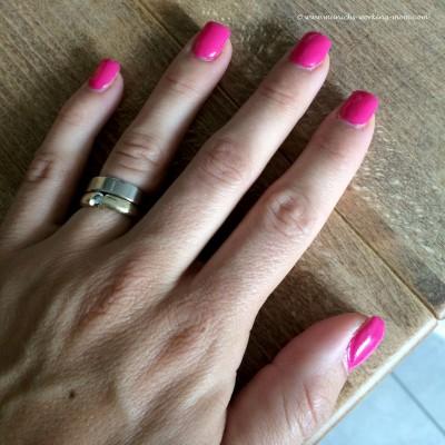 Pinke Fingernägel