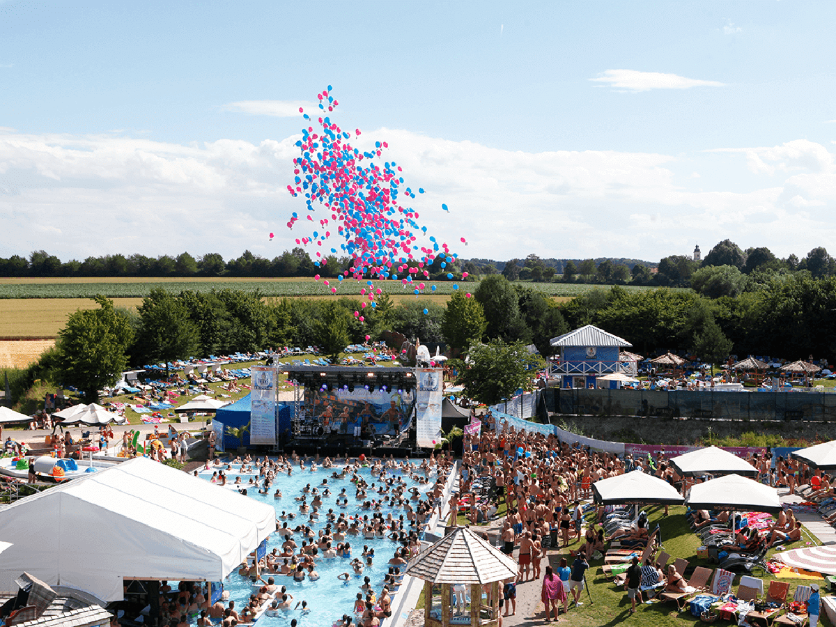 Ein Konzert im Pool, ein grandioses Sommerfest und ein Gewinnspiel