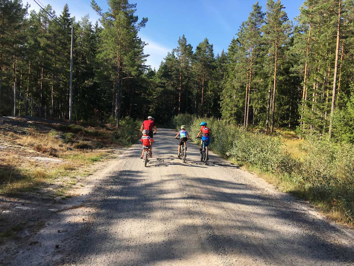 MTB fahren mit Kindern in Schweden
